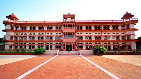 exterior__main_building_1_umaid_lake_palace_hotel_kalakho_dausa_letyr5