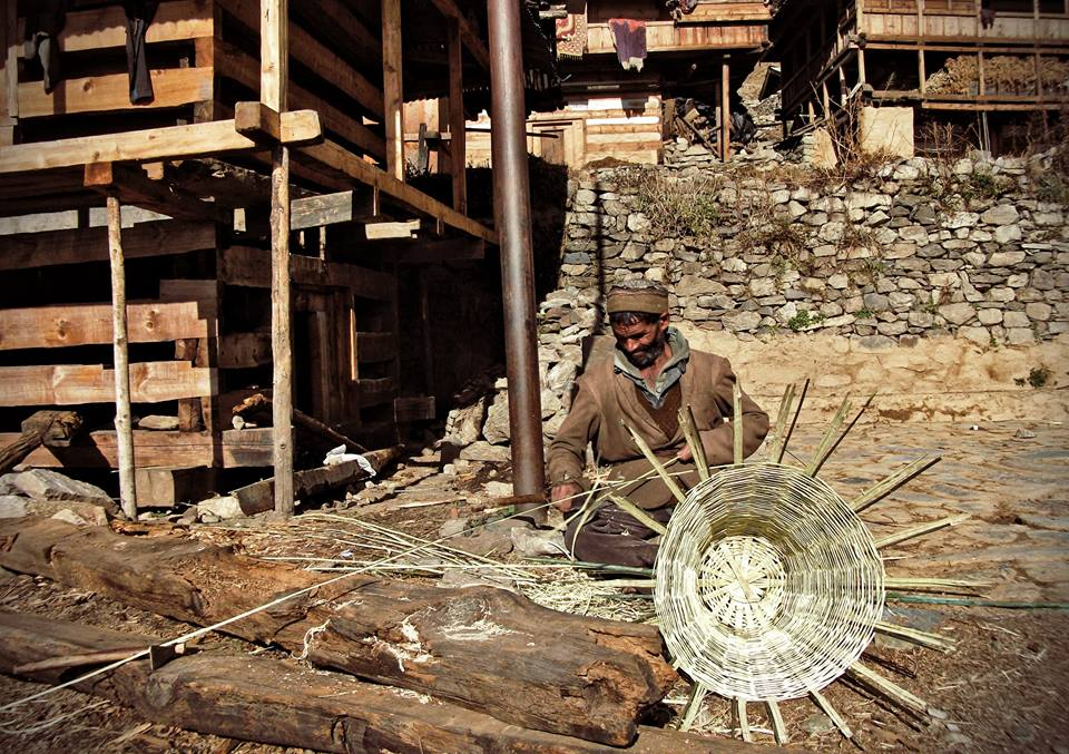 Basket Weaving in Process, Kalap