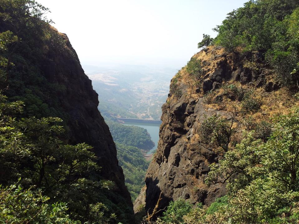 View of the Dam from View of the Dam from Konakan Kada