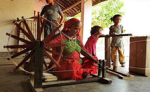 bhujodi-weaving-lifestyle