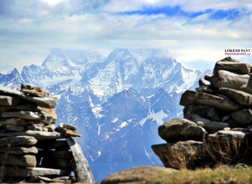 Dunagiri lies at the northwest corner of the Sanctuary Wall, a ring of peaks surrounding Nanda Devi and enclosing the Nanda Devi Sanctuary. Dunagiri offers a majestic view from Kuari Pass trek too.