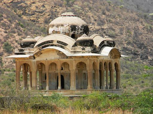 bhangarh-fort-incidents