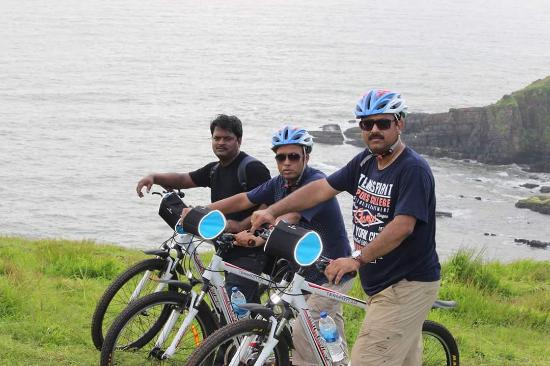 Cycling beside the sea and Goan villages