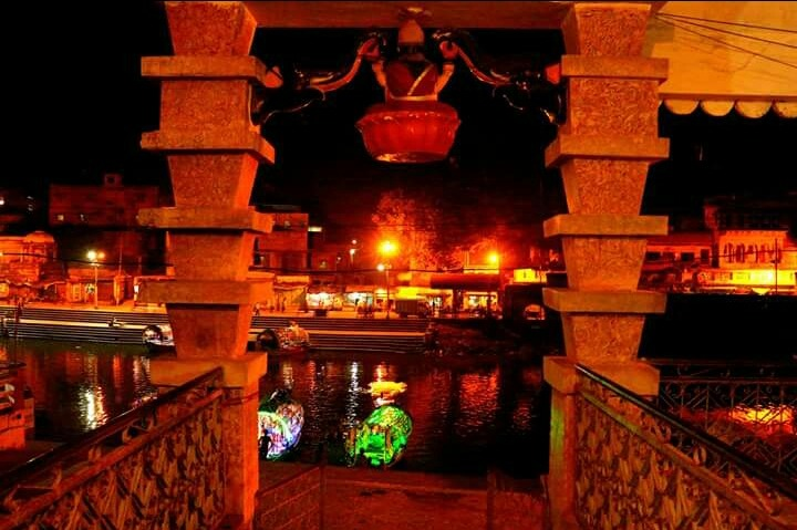 Ram Ghat is the place where Tulsidas had the holy Darshan of Lord Ram