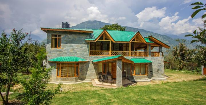 Front View of the Baragarh Villa, Manali