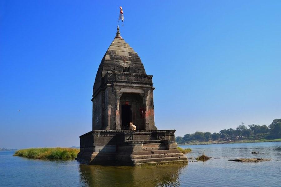 Baneshwar Temple, Narmada River, Maheshwar