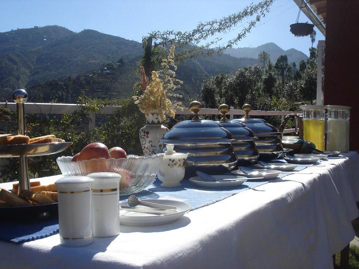 Hearty Breakfast at Ek Chidiya, Nathuakhan