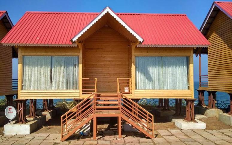 This is your Stay Option on the Hanumantiya Island