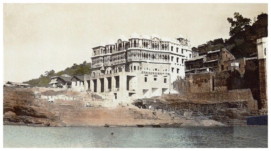 An Old Picture showing Mandleshwar