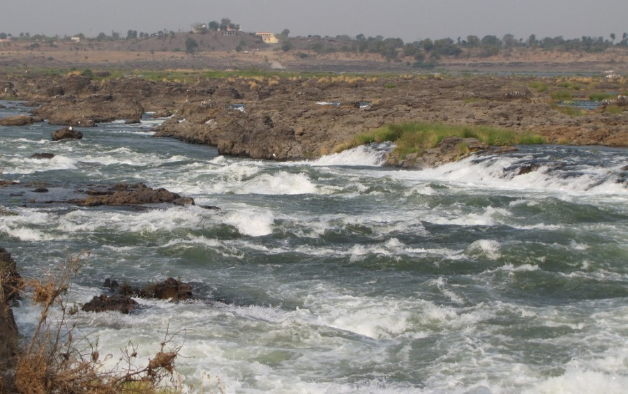 Rapids of a 1000 streams at Shahastradhara, Maheshwar