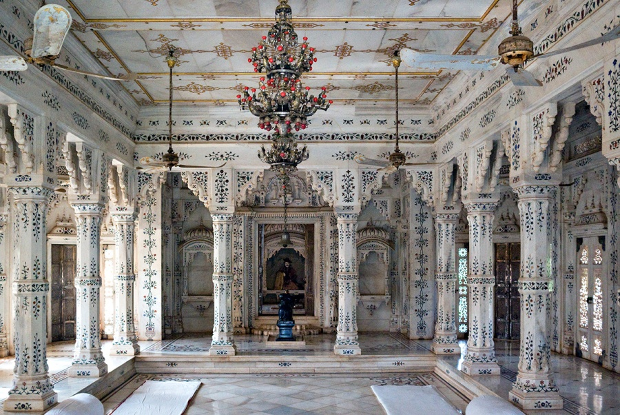Inside View of the Madhav Rao Chhatri, Shivpuri